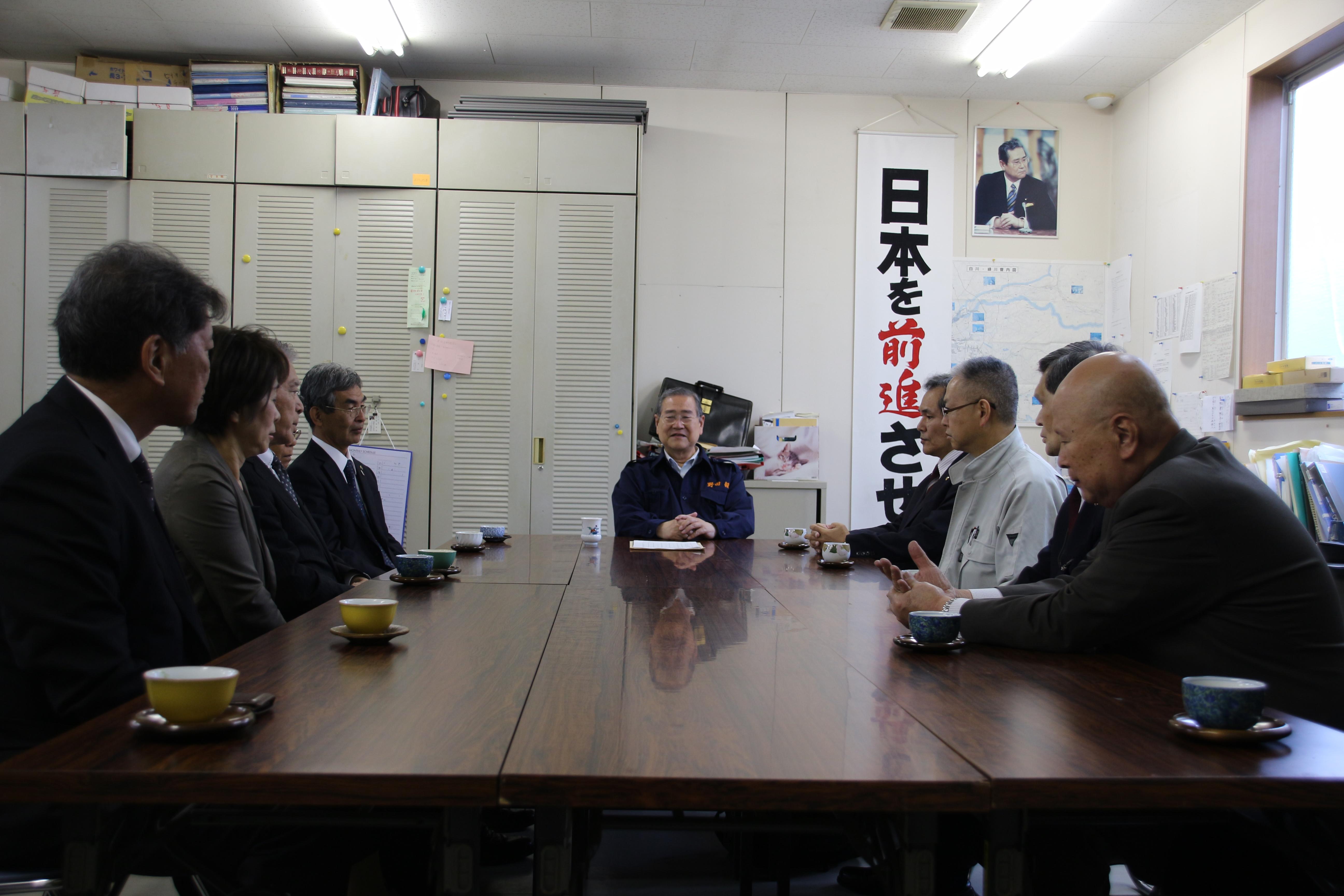 野田毅自民党議員連盟会長と面談(熊本市内・野田毅事務所)